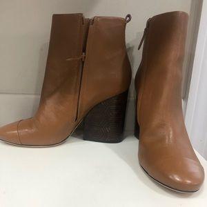 Tory Burch Grove boots tan
